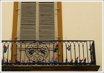 BUENOS AIRES–an artistic statement: the Gnomes of San Telmo